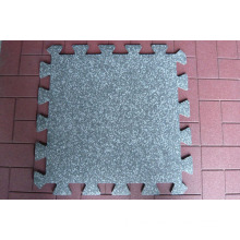Interlocking rubber flooring mats