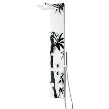 Panel de ducha con boquillas de masaje y ducha se utiliza en el baño