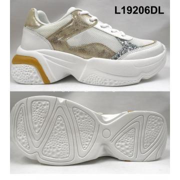 новые женские туфли на плоской подошве