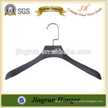 Вешалка для одежды из пластика
