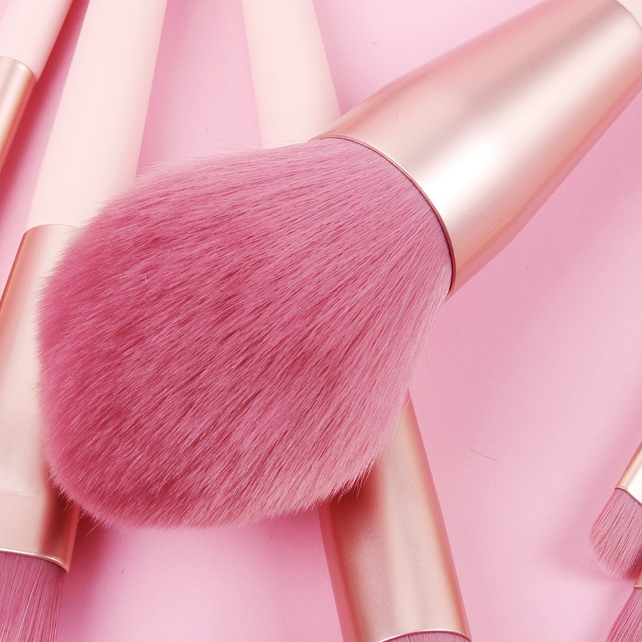 makeup brush washing