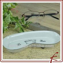 Keramikbrillen stehen