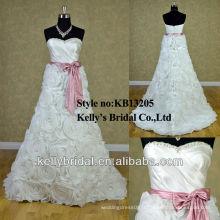 Nouveau style sans bretelles main intensive faire des fleurs discount robe de mariée
