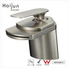 Haijun Producto caliente 2017 cUpc cascada sanitaria grifo del baño termostático