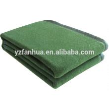 Vert olive 100 fibre hôtel et militaire utilisé couvertures