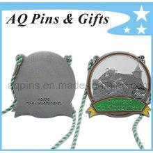 Médaille en carton avec placage au nickel