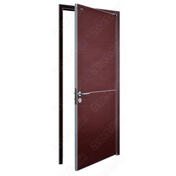 Offene Außentür. Holztüren mit Sperrholz und Laminat Finish. Feuerfeste Holztüren zur Auswahl