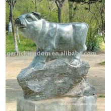 Belle sculpture sur pierre PIG