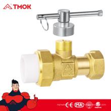 Medidor de agua frontal PPR Válvula con bloqueo cw617n dn15 material de latón color bronce y CE aprobado en TMOK
