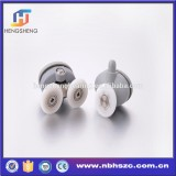 Low-noise plastic roller for shower