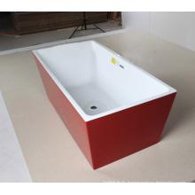 Baignoire autoportante rouge pour usage intérieur