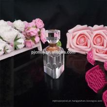 frascos de perfume de cristal vazios bonitos