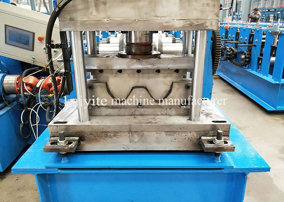 Road Barrier Guardrail Making Machine
