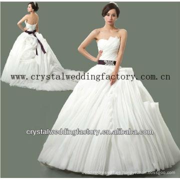 2014 de lujo sin tirantes de cuentas hechos a medida de cuentas reales rizados falda vestido de novia vestidos de novia CWFaw5578