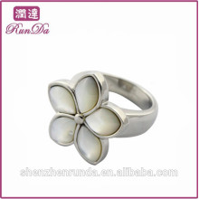 Alibaba 2014 hottest flower stainless steel ring