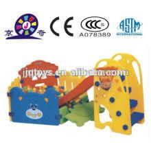Jogo indoor slide com bola piscina