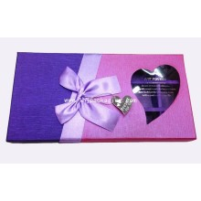 Boîte à papier cadeau au chocolat avec écran en plastique