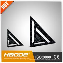 Règle triangulaire noire
