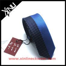 Cravate en soie tissée faite sur commande