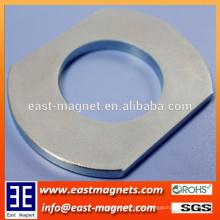 Maßgeschneiderte konkurrenzfähige Permanent NdFeB Neodym Magnet mit Loch / spezielle Ringform starker Magnet mit Loch