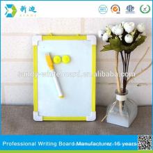 Mini quadro amarelo magnético do quadro da mesa de desenho do mini amarelo das crianças