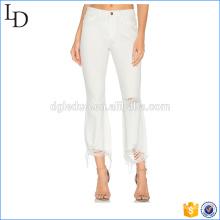 Calça de lápis branca lavada slim jeans rasgado para mulheres