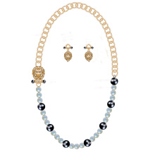 Leo Charm Pearl Necklace