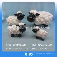 Grande décoration de moutons en céramique avec un visage noir