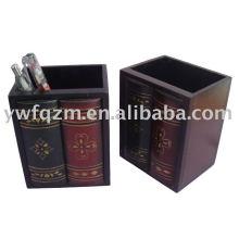 Titular de pluma de libro antiguo de madera
