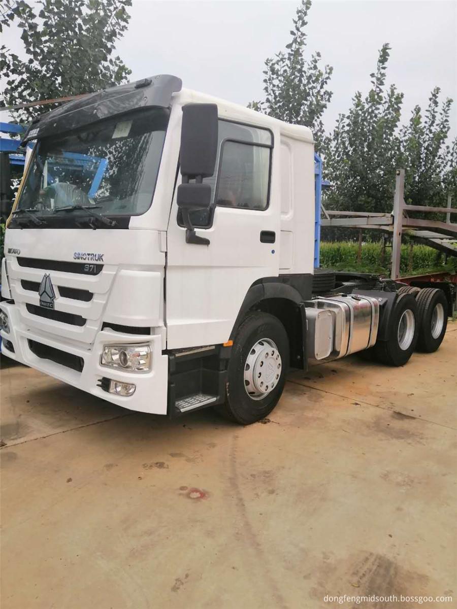 Sinotruck Howo 6x4 Truck Head 371hp 1
