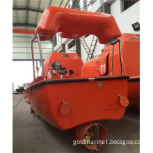 Fast rescue boat with inboard engine