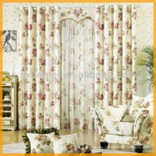 Diseño floral de la cortina de sala de estar
