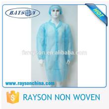 Os artigos descartáveis do hospital Waterproof o vestido paciente não tecido da operação
