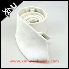 Cravate en soie blanche faite sur commande de sublimation