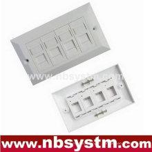 Boîte de surface à 4 ports avec volet