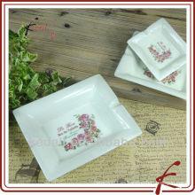 Hot Rose diseño baratos de porcelana de cerámica personalizado Cenicero de cigarrillos portátil