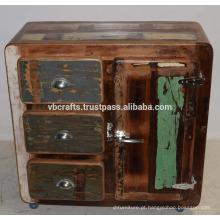 Gabinete de madeira reciclado