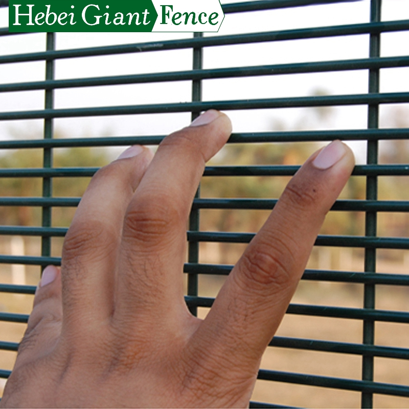 Anti Climb 358 High Security Fence dengan Spike