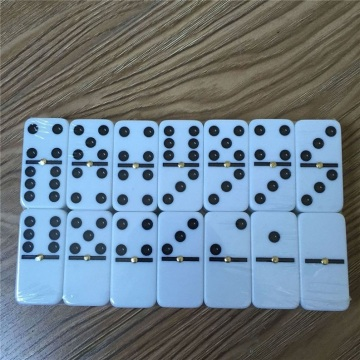High quality double 6 domino blocks in tin box