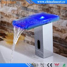 Wasserfall Beelee automatische LED-Sensor Wasserhahn mit CE-Zulassung