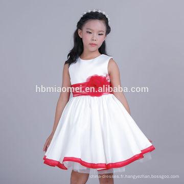 2017 Nouvelle Arrivée Bébé Filles Pur Blanc Avec Rouge Bow-noeud Robe Bébé Robes Design Bébé Fille Robe De Mariée