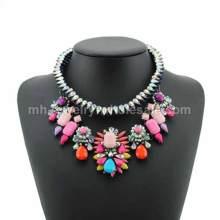 Laisser tomber la corde acrylique chaîne incrustation populaire Charm Necklace