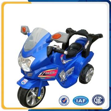 Motocicleta de tres ruedas para los cabritos / motocicleta eléctrica del material plástico para los niños