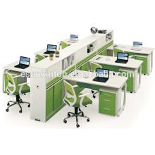 Hölzerne 6 Person t geformte Bürotisch benutzt Bürotrennwand