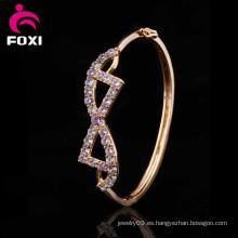 Diferentes estilos de diseño 18k oro plateado brazaletes de joyería de circonio