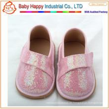 Kundengebundene populäre Verzierung Pailletten Gummi quietschende Schuhe