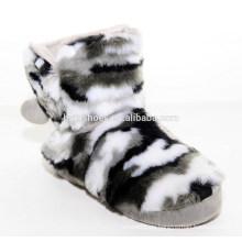 Super weiche Mode Plüsch Pelz Stiefel für den Winter mit Fuzzy Ball
