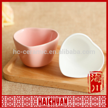 Ceramic oval green bake ware with silicone lid Lunch box locker bowl Japanese noodle bowl