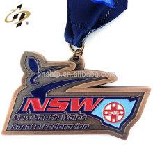 Médaille de karaté souvenir souvenir de sport en bronze antique avec ruban