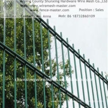 Hot Sales Galvanized / Power coated Wire Mesh Fence ISO9001: 2000